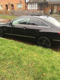 Mercedes e220 coupe black 2011