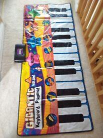 Vivo Gigantic Piano Keyboard Play Mat