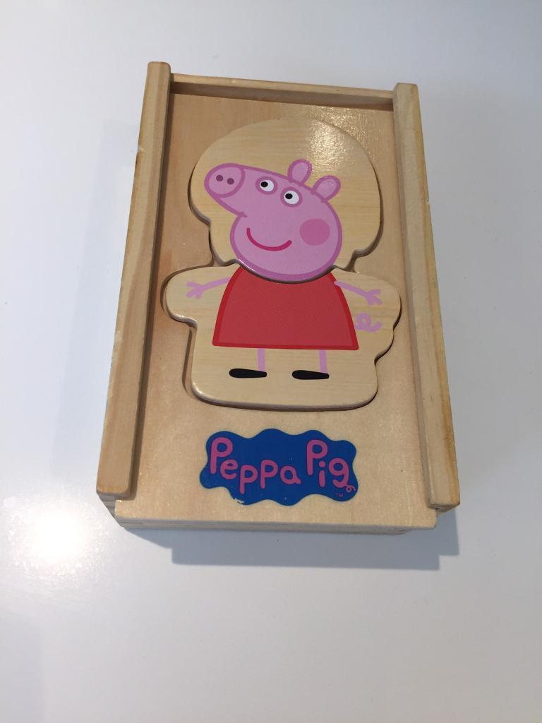 Peppa pig. Wooden dress up Peppa game