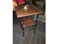 Gorgeous Antique Arts and Crafts Style Mahogany 2 Tier Lamp Table/Night Stand