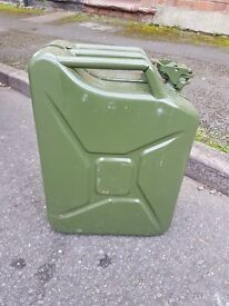 2 x 20l jerry cans