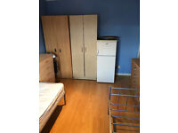 Double Room ready to move on 1st of June,All bills included.