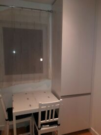 2 double Rooms to let in furnished new built house