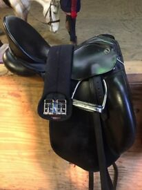 Dressage saddle- kieffer black saddle super comfy 17.5 seat medium sad sale