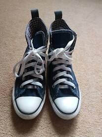 All Star Denim Converse, Size 4