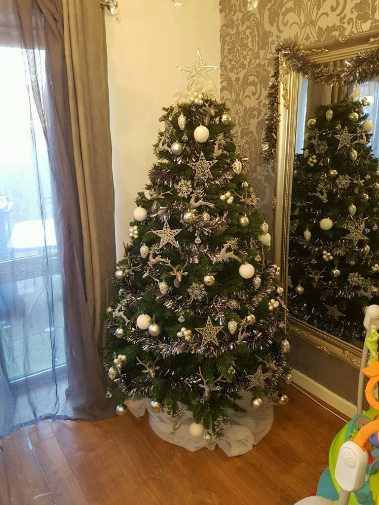 6ft Christmas Tree **BRAND NEW**