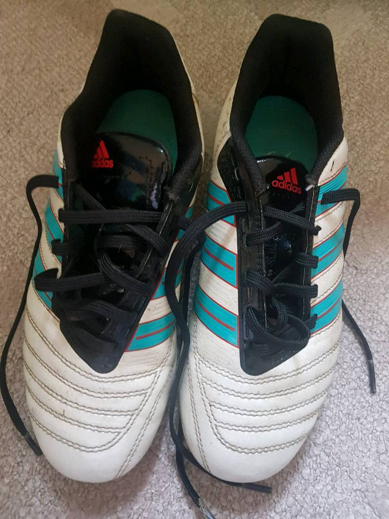 Adidas football boots children size 4