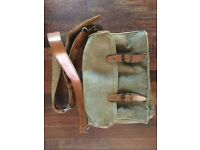 Vintage French 50s messenger-style cross-body bag suitable for mirrorless camera