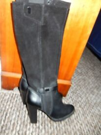 M&S Autograph Size 4 1/2 Boots. Unworn, wider fitting with elasticated insert.
