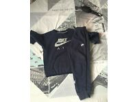 Navy Nike air tracksuit age 6-7