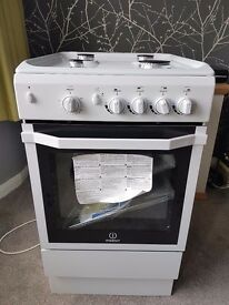Gas cooker. Brand new