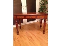 English antique small writing / side desk with 3 drawers in great condition