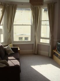 Bright and airy 1 bedroom flat for rent in central Hove