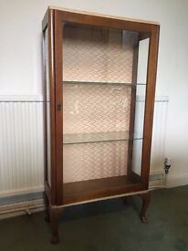 Wooden and glass cabinet - Upcycling Project - Vintage/Retro