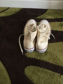 Converse boots size 8
