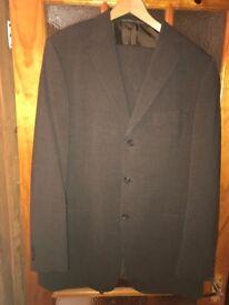 Suit (medium brown)