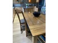 LARGE SOLID OAK DINING TABLE FROM STERLING