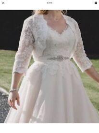 Wedding dress tea length size 10 like a 12
