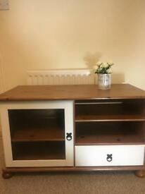 Wooden Tv cabinet with corona handles