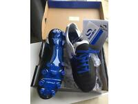 Childs football boots (size 4 new)