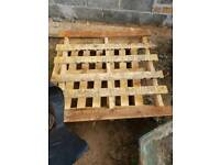 Pallets free to uplift