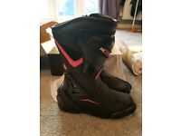 Motorcycle/Moped Boots UK Size 5 Pink/Black