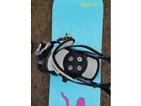 Roxy Snowboard with bindings