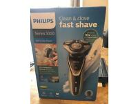 PHILIPS wet and dry fast shave