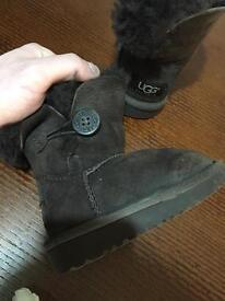 Kids genuine ugg boots