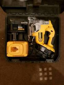DEWALT XRP 18V JIGSAW WITH BATTERIES AND CHARGER