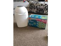 Tommie Tippee Sangenic nappy bin and 5 refill cassettes - immaculate condition