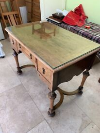 William and Mary style desk