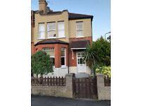 Double Bedroom - with garden in the heart of Barnet, close to amenities