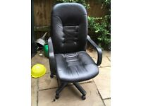 Office/computer chair black leather effect in good condition