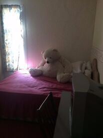 1 Double bedroom and 1 Single bedroom available, short term tenancy also available