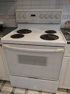 White Westinghouse electric stove + oven