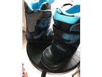 Tiny kids uk size 10 snowboard boot