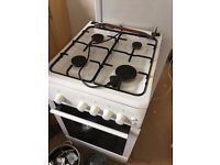 Gas cooker / oven in working order.