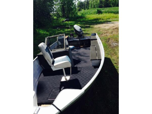 Used 1989 Crestliner 16 super hawk