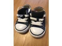 Infant converse size 5 navy