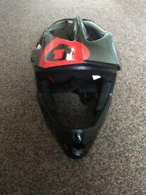MTB 661 helmet