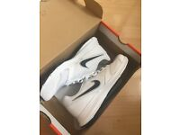 Nike Downshifters BRAND NEW IN BOX SIZE 6 White/Black