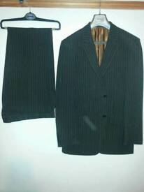 Remus Uomo Suit. 40R jacket and 34R trousers