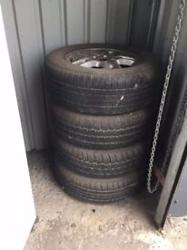 Land rover Diskovery 3 Rims with tyres size 235/65r17 tyres woern