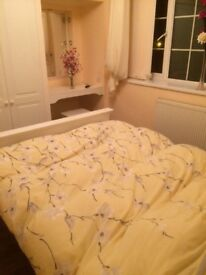 Large bedroom to let