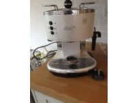 Delonghi coffee machine - hardly used £30
