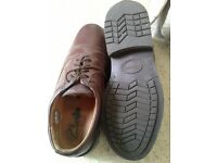 Mens shoes. Size 8
