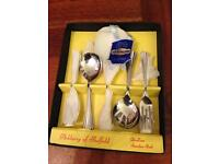 ASHBERRY OF SHEFFIELD DELUXE STAINLESS STEEL 13 PIECE CUTLERY/DESSERT BOXED SET