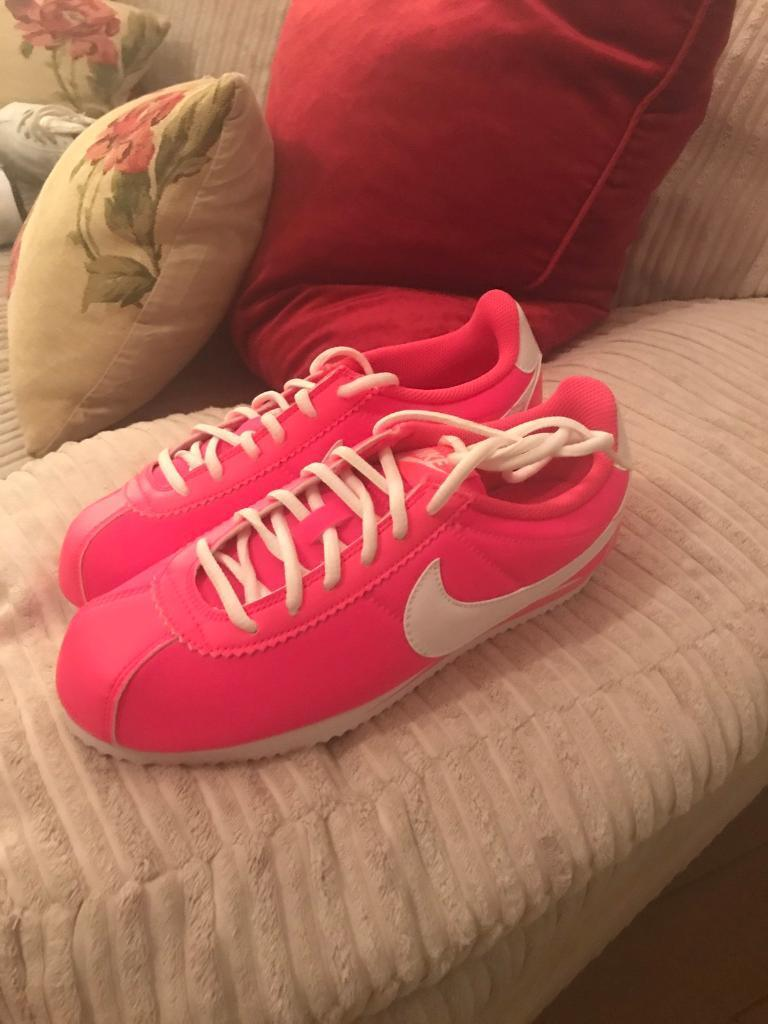 Nike trainers size 5 pink Cortez brand new