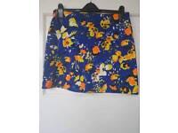 Short skirt size 14